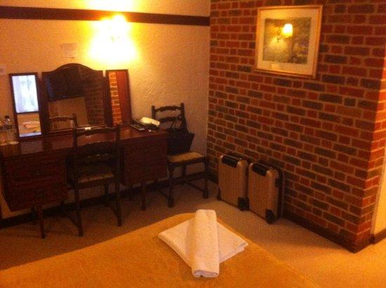 Lenham, UK: Another view of bedroom 16.
