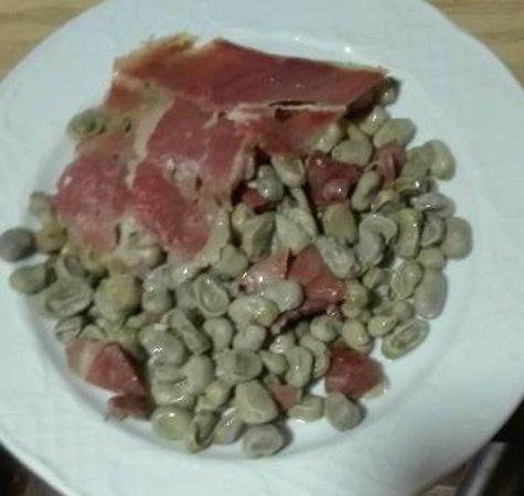 Canar, إسبانيا: Habas fritas con Jamón