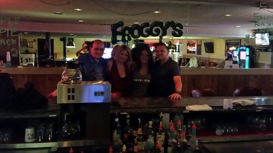 Fairview Park, OH: Great Bar, Great Food, Great People!