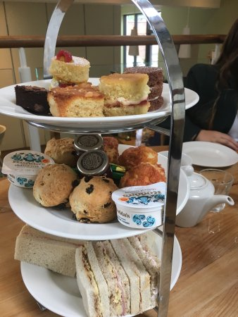 Coltishall, UK: Amazing afternoon tea xx