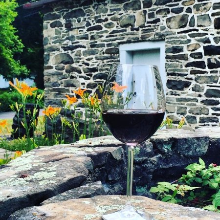 Beacon, estado de Nueva York: Sip wine from the oldest region of wine making in the U.S.