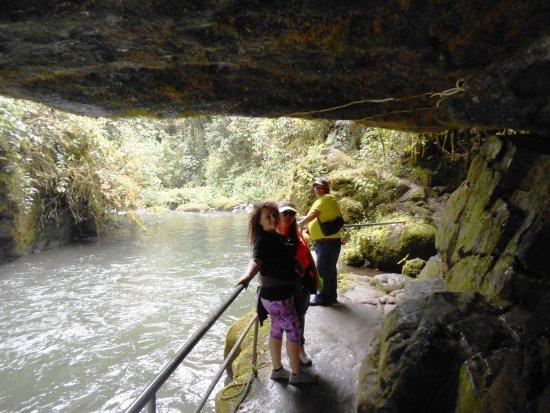 San Gerardo de Dota, Коста-Рика: cuenta el Pueblito con caminata de 2 kilometros hasta las cataratas del rio Savegre sumamente