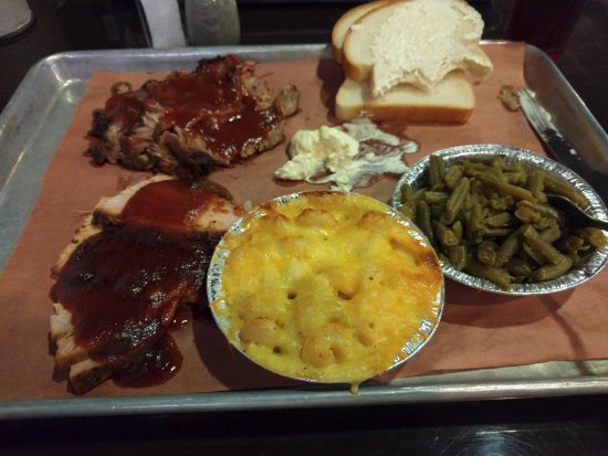 Troy, Ιλινόις: Two Meat combo with Green Beans & Mac & Cheese.