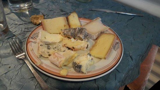 Amphion Les Bains, ฝรั่งเศส: Assiette de fromage 😋