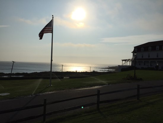 Spring House Hotel: Spring house. Beautiful sunrise in the AM