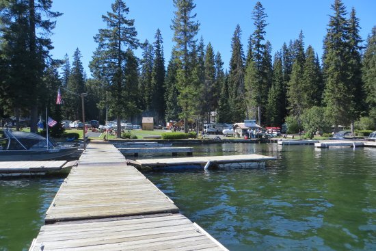 Crescent Lake, OR: Marina - Shelter Cove Resort & Marina, OR
