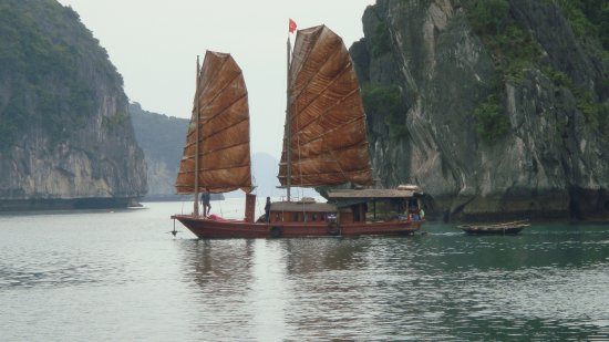 Cat Ba, Vietnam: sails of indochina