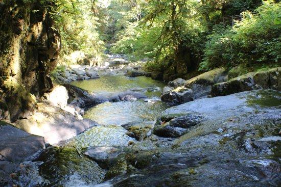 Ρίντσπορτ, Όρεγκον: Close hike at Sweet Watter Falls