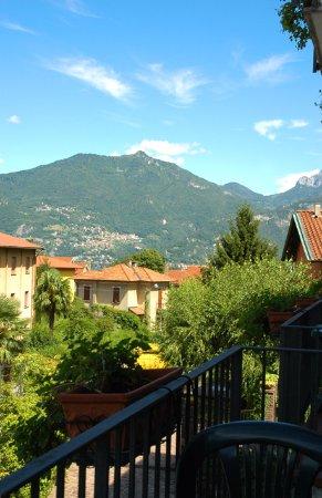 Hotel Sonenga: dal balcone vista montagne