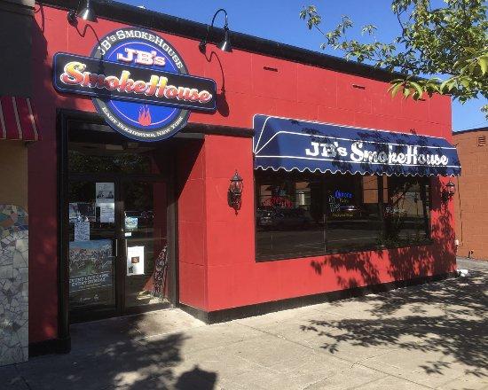 East Rochester, NY: JB's Smokehouse on Main Street E. Rochester