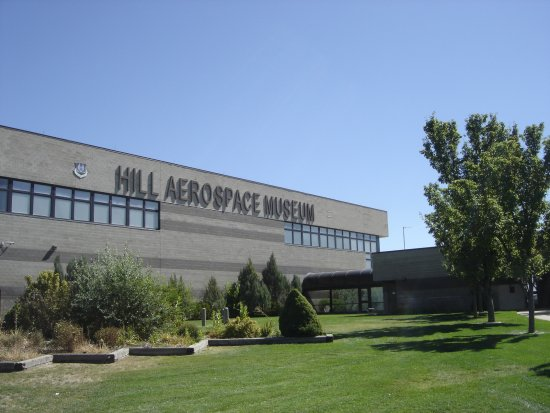 Hill Aerospace Museum : Front of building