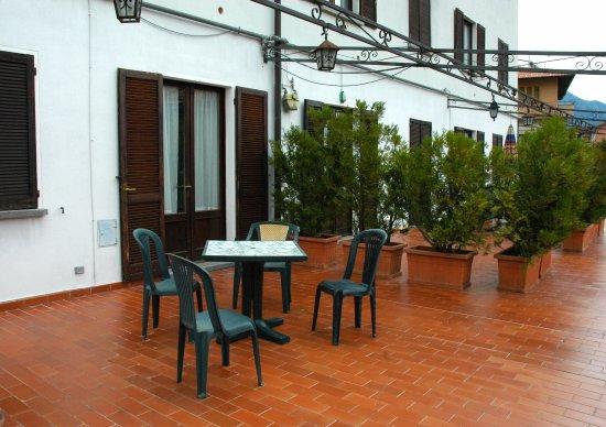 Hotel Sonenga: terrazza davanti alle suite