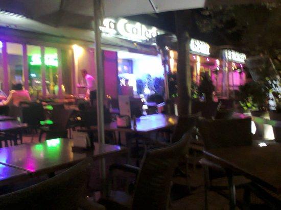 het hotel bij avond mooi verlichting - Foto van La Caleche, Durbuy ...