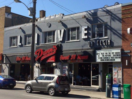 Dunn's Famous Deli : Street scene