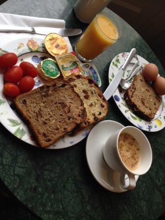 Hotel Adolesce: Pequeno Almoço