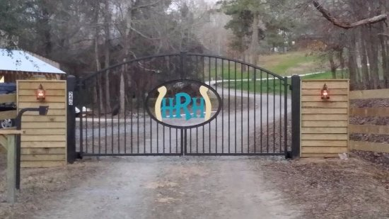 Natchitoches, LA: Entrance to Property