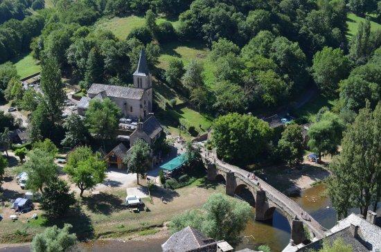Belcastel, França: Vue du château