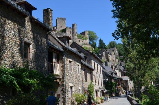 Belcastel, França: village