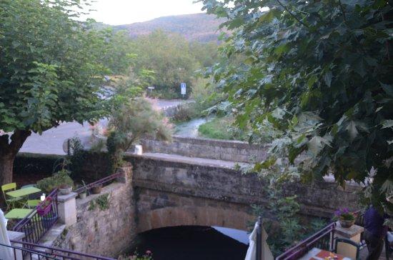Creysse, Francia: vue d'une des chambres côté sud.
