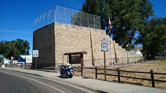 Jordan Valley, Oregón: Basque court restored for handball or Hi Lias