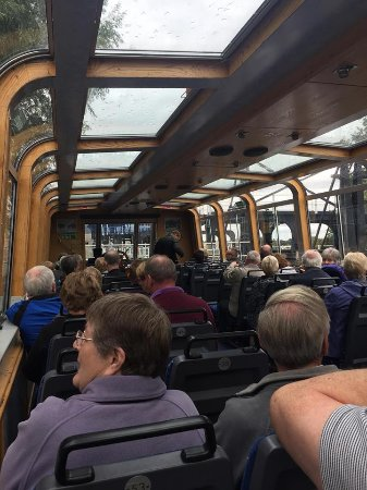 Νόρθγουιτς, UK: Seating area inside the barge