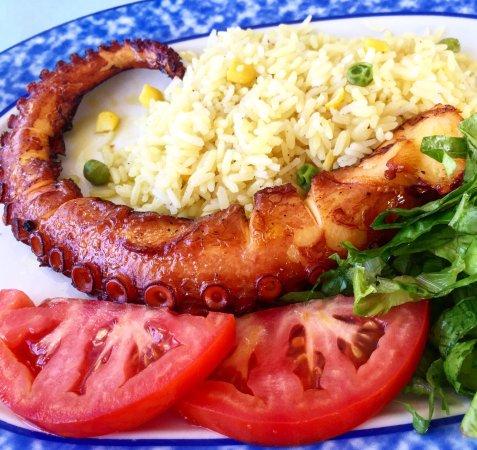 Petros Restaurant: 🐙🐙🐙
