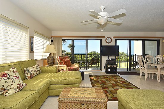Lands End, Condominium: Living area