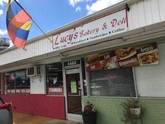 Stallings, Северная Каролина: Lucy's Bakery & Deli