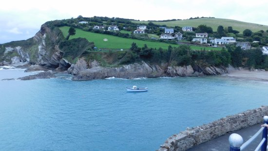 Combe Martin Beach Holiday Park: COMBE MARTIN BAY/BEACH ..IN VIEW FROM SITE AND ROOM .5 MIN WALK ,10 BACK ..LOL