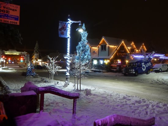 Big Bear Village Christmas.Winter View From The Lobby And Olive Oil Shop Picture Of