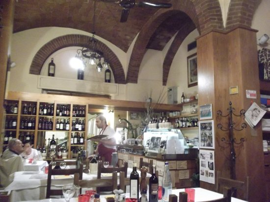 Trattoria Gigi Di Lippi Luciano: Cosy and friendly family run restaurant. Nice place to spend an evening.