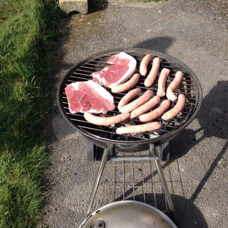Holmfirth, UK: BBQ with farm produce