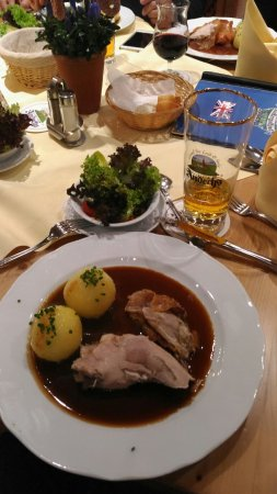 Andechs, Alemania: Good food. Good environment makes good emotions..