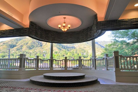 The Cliff House at Pikes Peak: Cathedral Spires Pavilion - For Weddings/Meetings/Banquets