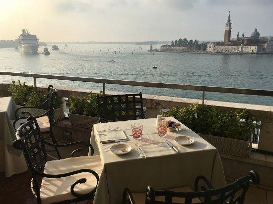 Hotel Danieli, A Luxury Collection Hotel: Rooftop breakfast