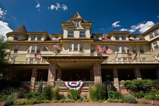 The Cliff House at Pikes Peak: Flying our flags during season.