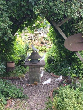 Stydd Gardens: photo1.jpg
