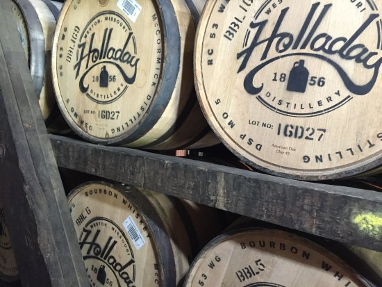 Weston, MO: Holladay Distillery