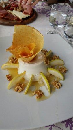 Bar Centrale Marongiu: Ricotta,pere,noci e miele...fantastico!