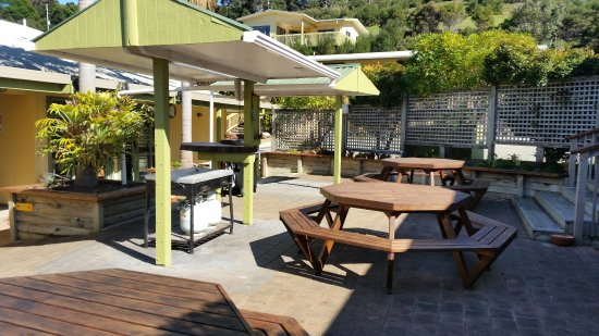 Whatuwhiwhi TOP 10 Holiday Park: BBQ Area