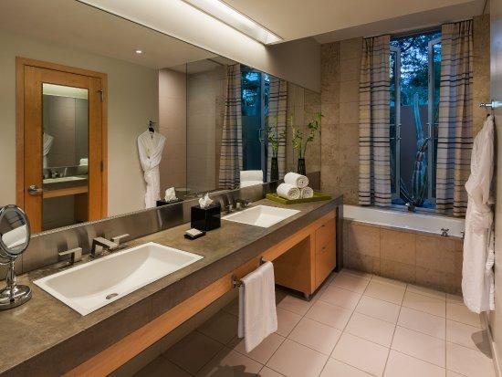 Sanctuary Camelback Mountain: Spa Casita Bathroom
