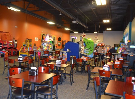 Rocklin, CA: Visit our Craze Cafe for fresh made-to-order pizza, other great snack food & a variety of bevera