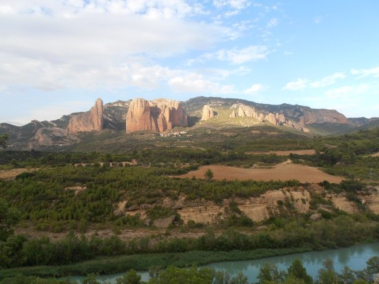 Murillo de Gallego, Espagne : View from our pitch if we looked over the hedge