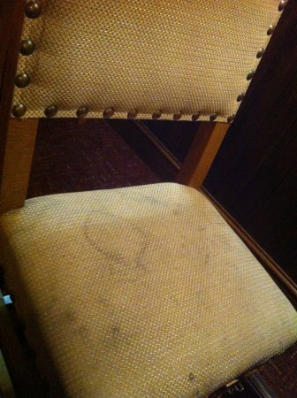 Лонг-Итон, UK: very stained seat