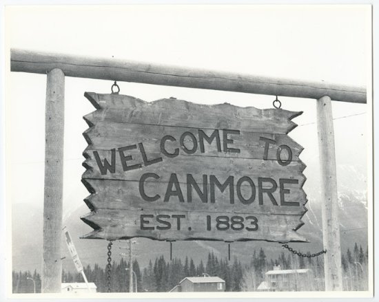 Canmore Museum & Geoscience Centre: Historic welcome sign (has since been updated!)