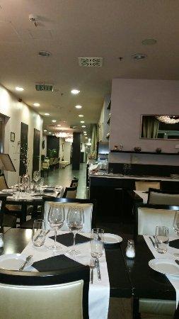 Continental Hotel Budapest: 20141121_161017_large.jpg