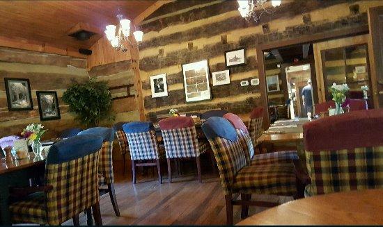 The Inn & Spa at Cedar Falls: 20160920_162424_large.jpg