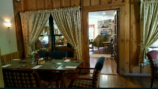 The Inn & Spa at Cedar Falls: 20160920_162226_large.jpg