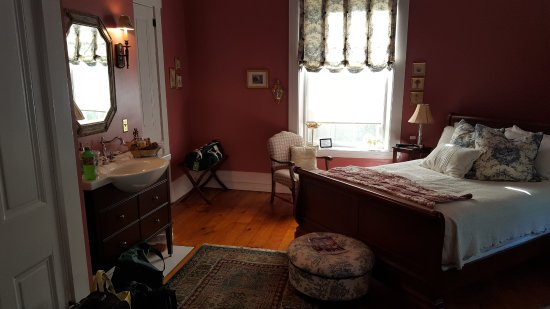 Batavia, Ohio: Jenny's Retreat