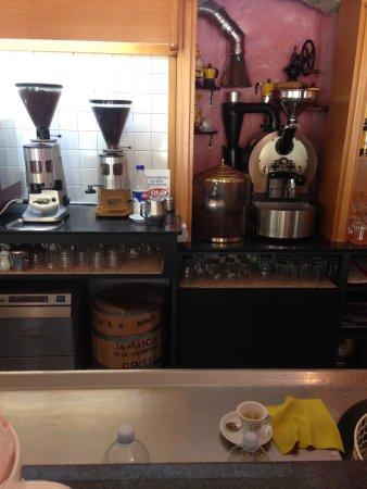 Costigliole d'Asti, Italia: Kaffee selbstgeröstet